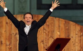 "Roberto Benigni interpreta la Divina Commedia in ""Tutto Dante""."